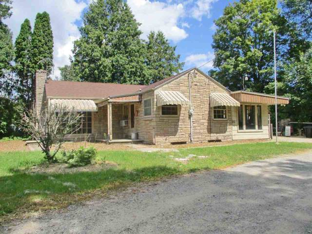 2710 Shawano Avenue, Green Bay, WI 54313 (#50212959) :: Todd Wiese Homeselling System, Inc.