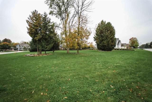 5471 W Cedar Crest Court, Appleton, WI 54914 (#50213004) :: Todd Wiese Homeselling System, Inc.