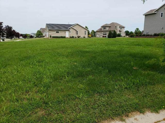 56 Southern Edge Drive, Fond Du Lac, WI 54935 (#50213026) :: Todd Wiese Homeselling System, Inc.
