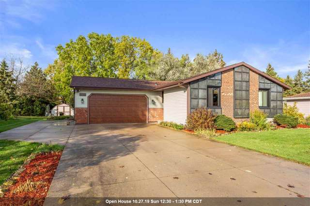 3500 W Parkridge Avenue, Appleton, WI 54914 (#50213081) :: Todd Wiese Homeselling System, Inc.