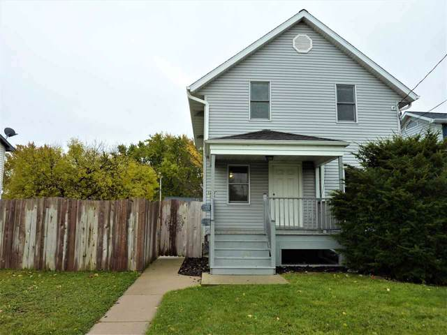 1213 W College Avenue, Appleton, WI 54914 (#50213101) :: Todd Wiese Homeselling System, Inc.