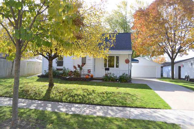 1705 W Rogers Avenue, Appleton, WI 54914 (#50213287) :: Todd Wiese Homeselling System, Inc.