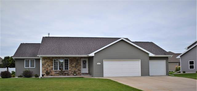 1111 Lansdale Circle, De Pere, WI 54115 (#50213568) :: Todd Wiese Homeselling System, Inc.