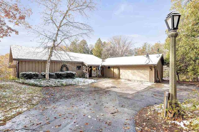 5023 River Heights Drive, Manitowoc, WI 54220 (#50213582) :: Todd Wiese Homeselling System, Inc.