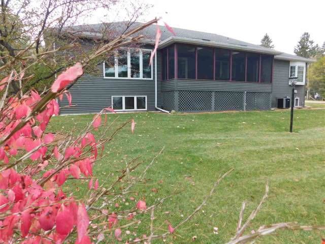 N5644 Sandy Drive, Shawano, WI 54166 (#50213584) :: Dallaire Realty