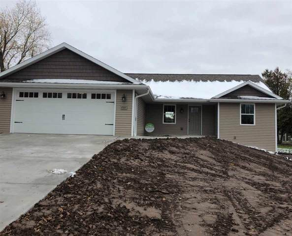2337 Memorial Drive, Green Bay, WI 54313 (#50213589) :: Todd Wiese Homeselling System, Inc.