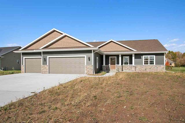 2855 Rodeo Drive, Green Bay, WI 54311 (#50213592) :: Symes Realty, LLC