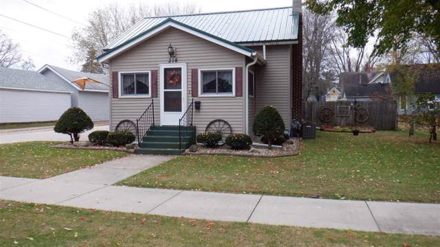 314 W Pine Street, Shawano, WI 54166 (#50213743) :: Todd Wiese Homeselling System, Inc.