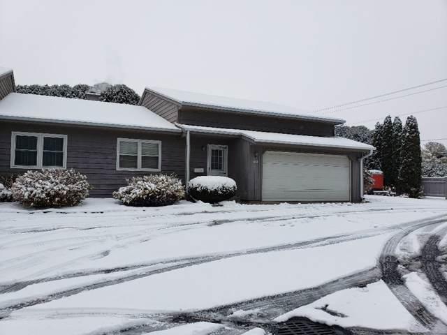 3528 Highcliff Circle, Sheboygan, WI 53083 (#50213808) :: Todd Wiese Homeselling System, Inc.