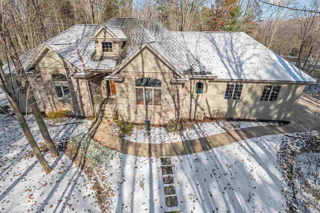 3684 Hallers Creek Road, Green Bay, WI 54313 (#50213816) :: Todd Wiese Homeselling System, Inc.
