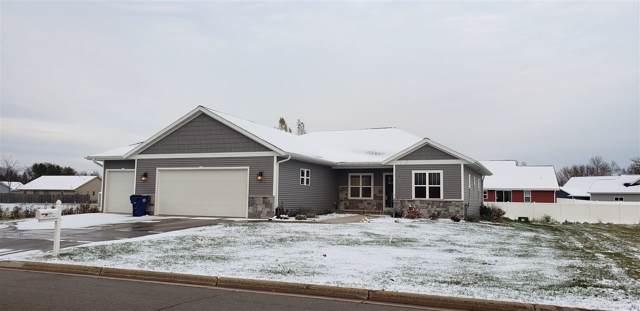 532 Patrick Lane, Pulaski, WI 54162 (#50213915) :: Todd Wiese Homeselling System, Inc.