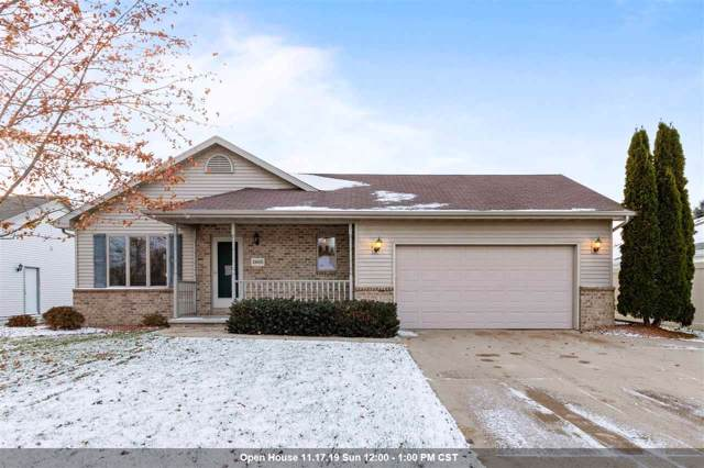2605 Maple Grove Drive, Neenah, WI 54956 (#50214009) :: Dallaire Realty