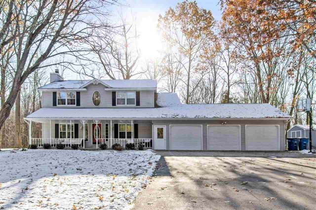 1579 Sarah Court, Suamico, WI 54173 (#50214066) :: Symes Realty, LLC