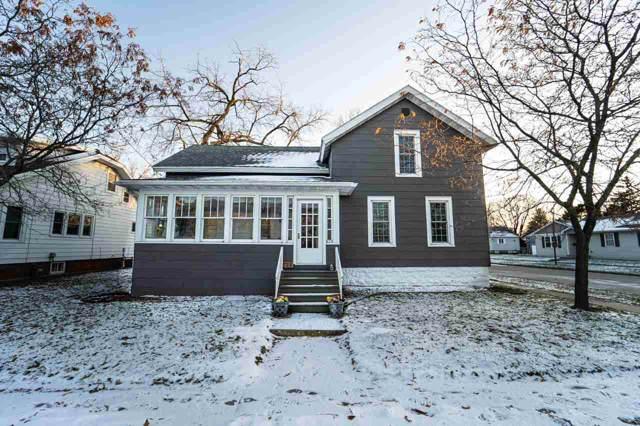 225 W 18TH Avenue, Oshkosh, WI 54902 (#50214082) :: Todd Wiese Homeselling System, Inc.