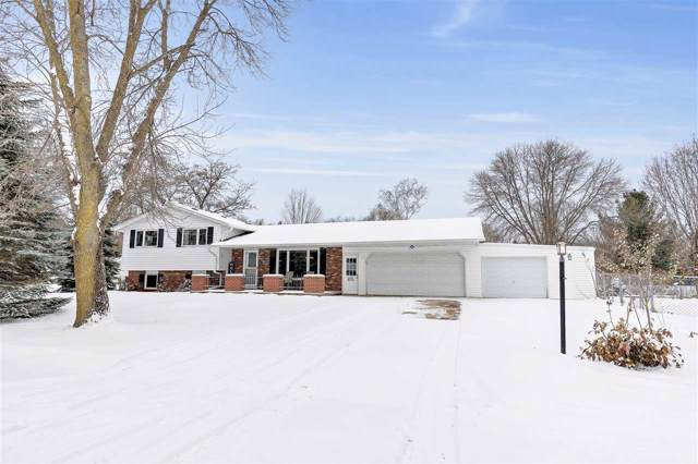 3467 Golf Drive, Green Bay, WI 54311 (#50214158) :: Todd Wiese Homeselling System, Inc.