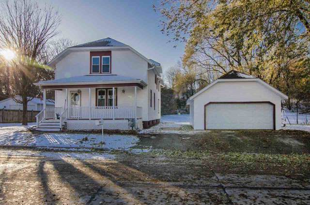402 N 44TH Street, Manitowoc, WI 54922 (#50214195) :: Todd Wiese Homeselling System, Inc.