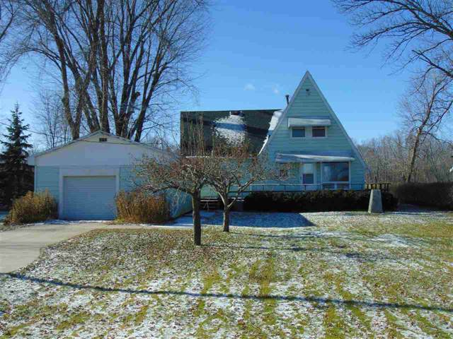 9195 Riverview Lane, Fremont, WI 54940 (#50214200) :: Dallaire Realty
