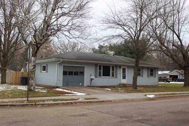 1006 S Cleveland Street, Shawano, WI 54166 (#50214205) :: Dallaire Realty