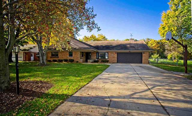 1076 Ernst Drive, Green Bay, WI 54304 (#50214211) :: Symes Realty, LLC