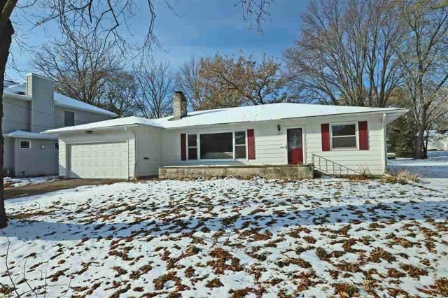 323 Willow Lane, Menasha, WI 54952 (#50214224) :: Todd Wiese Homeselling System, Inc.