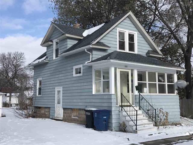 210 E Melvin Street, Oshkosh, WI 54901 (#50214252) :: Dallaire Realty