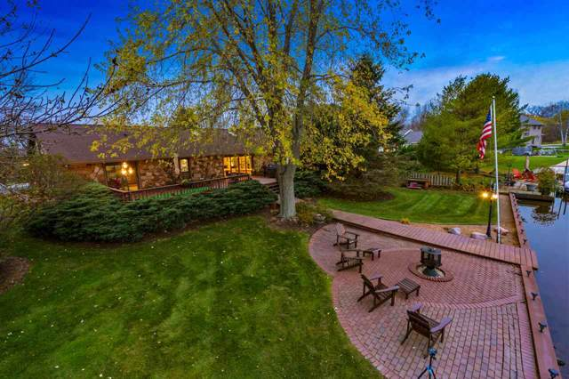 820 Riverside Drive, Suamico, WI 54173 (#50214288) :: Symes Realty, LLC