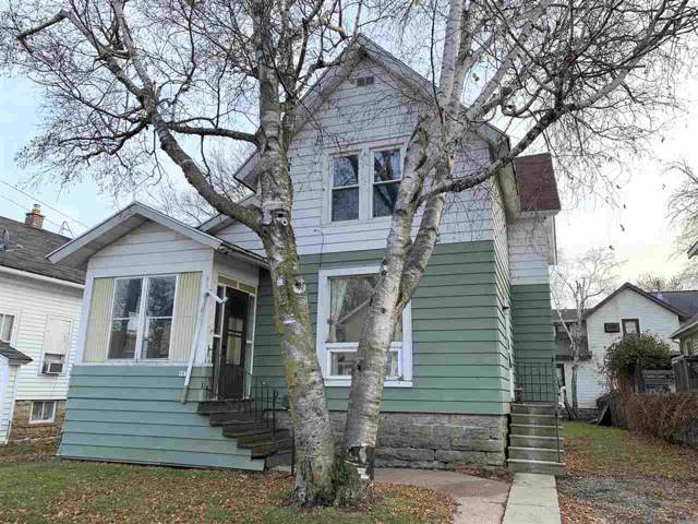 907 E Parkway Avenue, Oshkosh, WI 54901 (#50214373) :: Dallaire Realty
