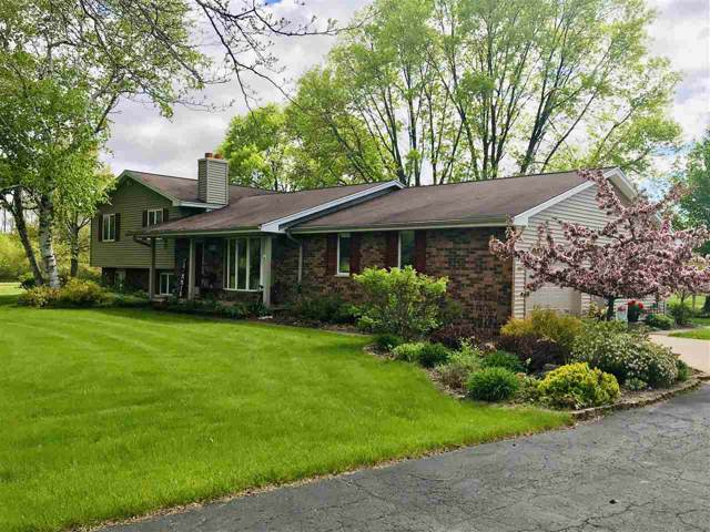 3010 Lime Kiln Road, Green Bay, WI 54311 (#50214398) :: Todd Wiese Homeselling System, Inc.