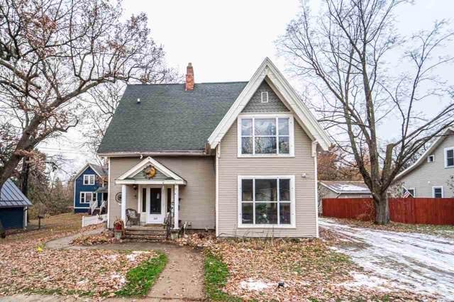 317 N Washington Street, Waupaca, WI 54981 (#50214406) :: Todd Wiese Homeselling System, Inc.