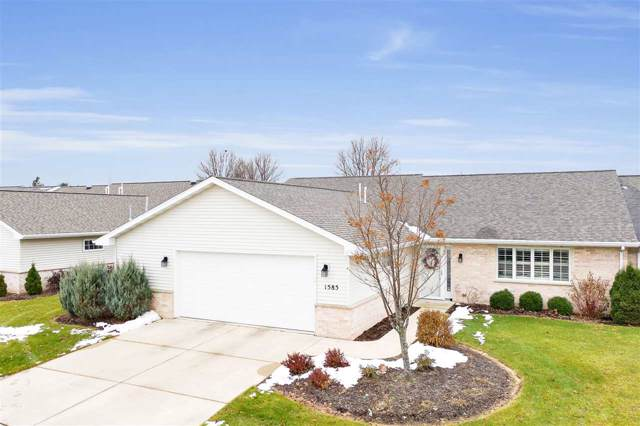 1585 River Pines Drive, Green Bay, WI 54311 (#50214489) :: Todd Wiese Homeselling System, Inc.