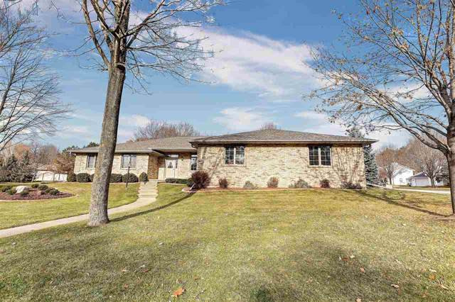 2830 Parkwood Drive, Green Bay, WI 54303 (#50214531) :: Todd Wiese Homeselling System, Inc.
