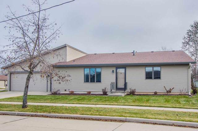 2211 Virginia Drive, Manitowoc, WI 54220 (#50214544) :: Todd Wiese Homeselling System, Inc.