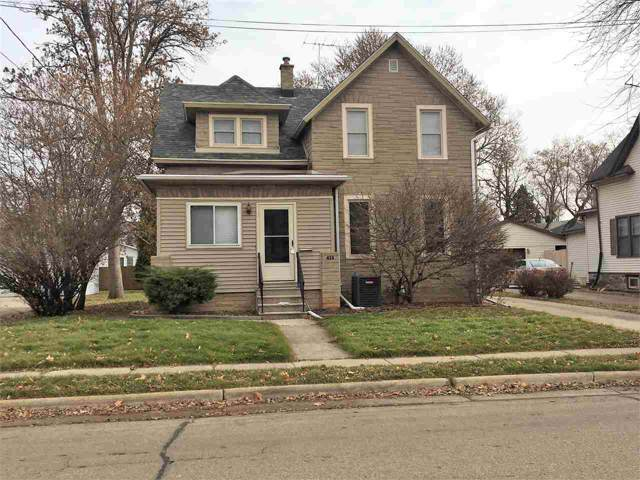 413 3RD Street, Neenah, WI 54956 (#50214576) :: Dallaire Realty