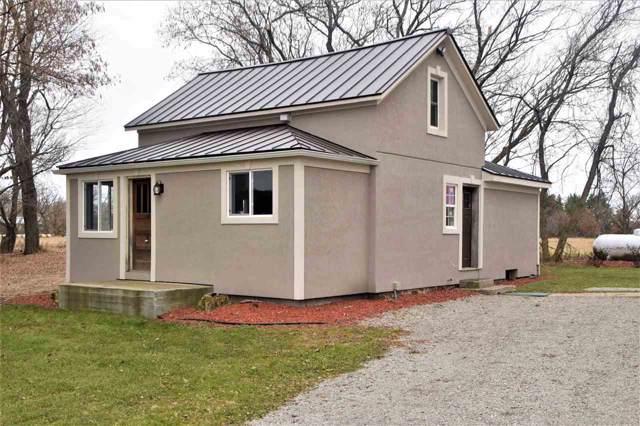 N2328 Hwy E, Waupaca, WI 54981 (#50214653) :: Todd Wiese Homeselling System, Inc.