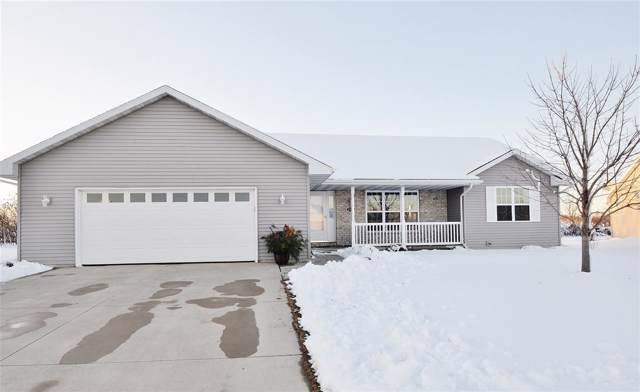 2118 W Melcorn Circle, De Pere, WI 54115 (#50214702) :: Todd Wiese Homeselling System, Inc.