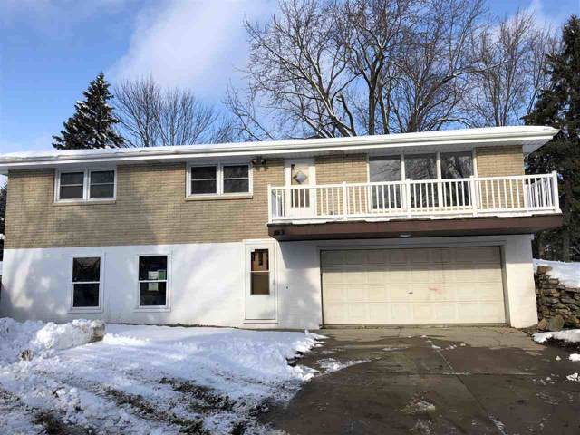 1030 E Edgewood Drive, Appleton, WI 54913 (#50214725) :: Todd Wiese Homeselling System, Inc.