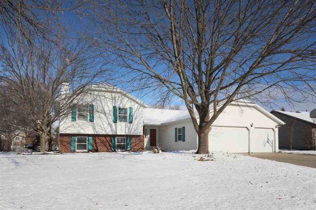 2422 W Roselawn Drive, Appleton, WI 54914 (#50214865) :: Todd Wiese Homeselling System, Inc.