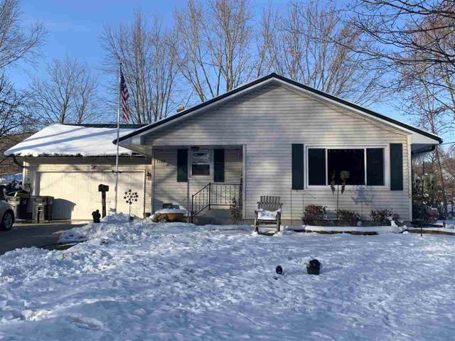 1109 Valley Lane, Shawano, WI 54166 (#50214896) :: Dallaire Realty