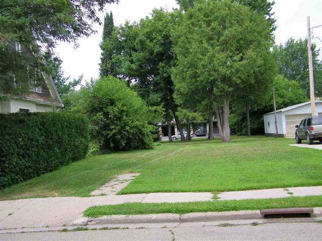 213 E Center Street, Shawano, WI 54166 (#50215046) :: Dallaire Realty