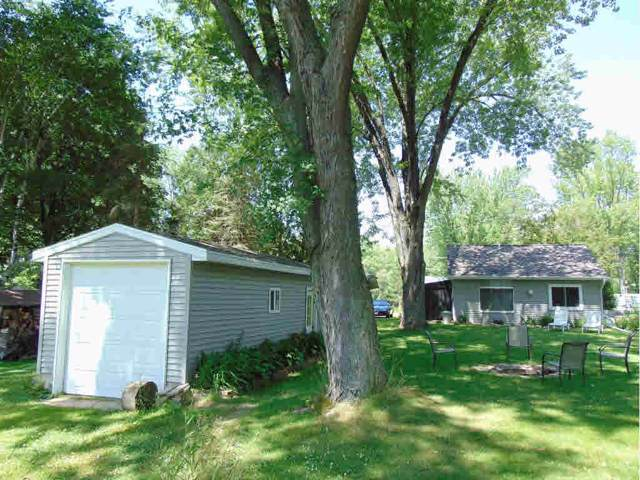 E7665 Cut Off Road, New London, WI 54961 (#50215188) :: Todd Wiese Homeselling System, Inc.