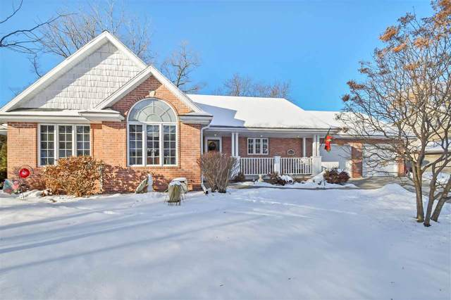 250 Swiss Meadow Lane, Green Bay, WI 54302 (#50215211) :: Todd Wiese Homeselling System, Inc.