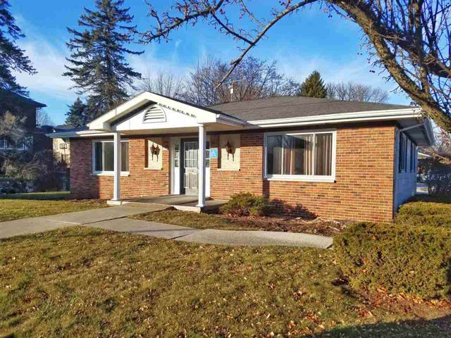 1202 W Washington Avenue, Cleveland, WI 53015 (#50215308) :: Todd Wiese Homeselling System, Inc.