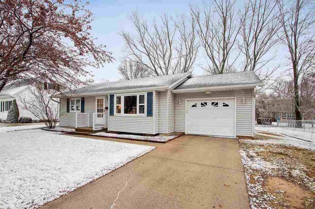 590 S Parkway Drive, Brillion, WI 54110 (#50215403) :: Todd Wiese Homeselling System, Inc.