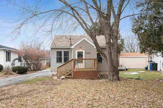2092 S Broadway Street, Green Bay, WI 54304 (#50215646) :: Todd Wiese Homeselling System, Inc.