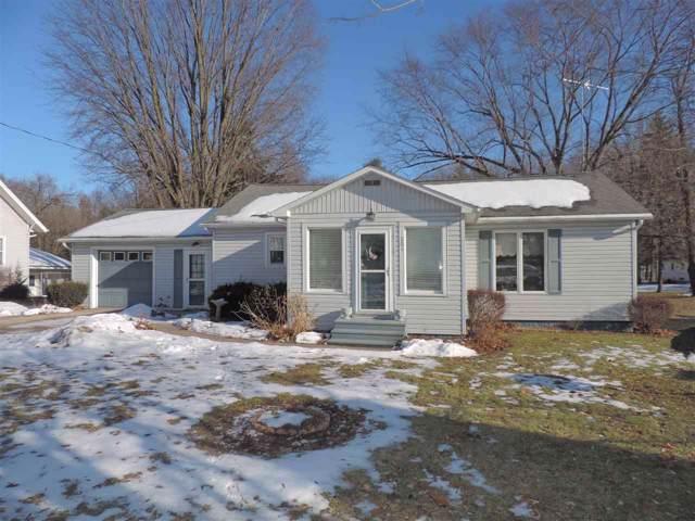 204 N Mckenzie Street, Gillett, WI 54124 (#50215716) :: Todd Wiese Homeselling System, Inc.