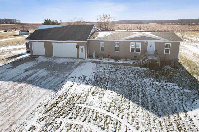 6096 Hwy Ss, Luxemburg, WI 54217 (#50215762) :: Todd Wiese Homeselling System, Inc.