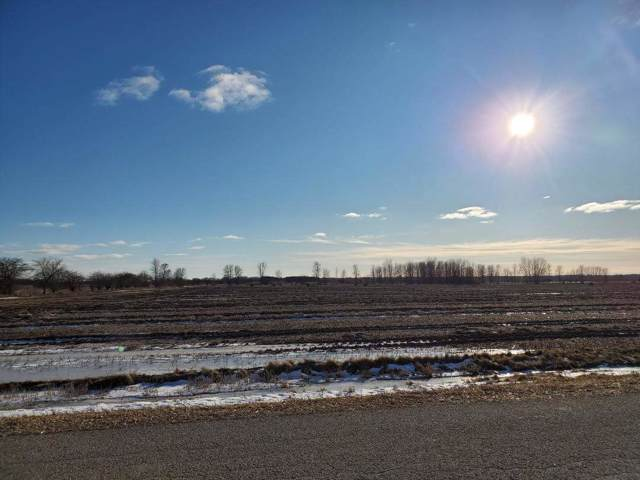 Roosevelt Road, Algoma, WI 54201 (#50215777) :: Todd Wiese Homeselling System, Inc.