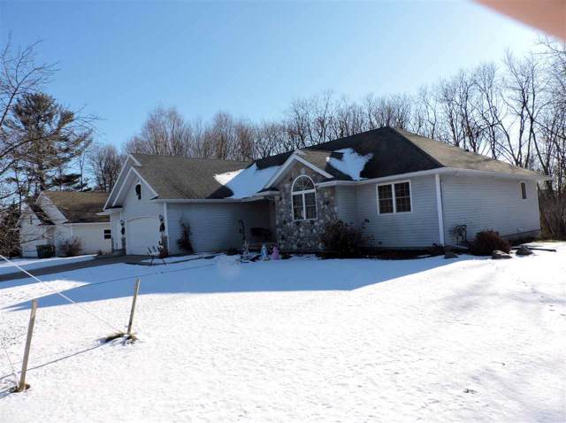 777 Sunset Drive, Waupaca, WI 54981 (#50215869) :: Symes Realty, LLC
