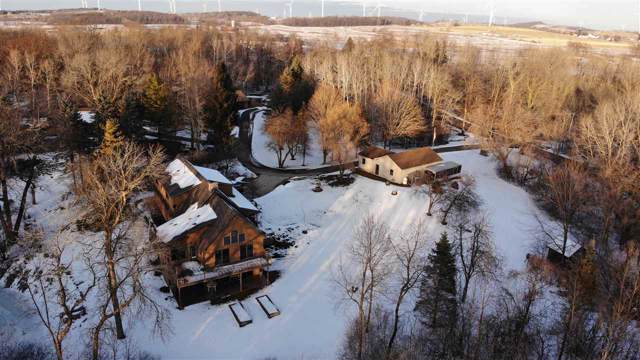 N3940 Twin Lake Lane, Eden, WI 53019 (#50215900) :: Todd Wiese Homeselling System, Inc.