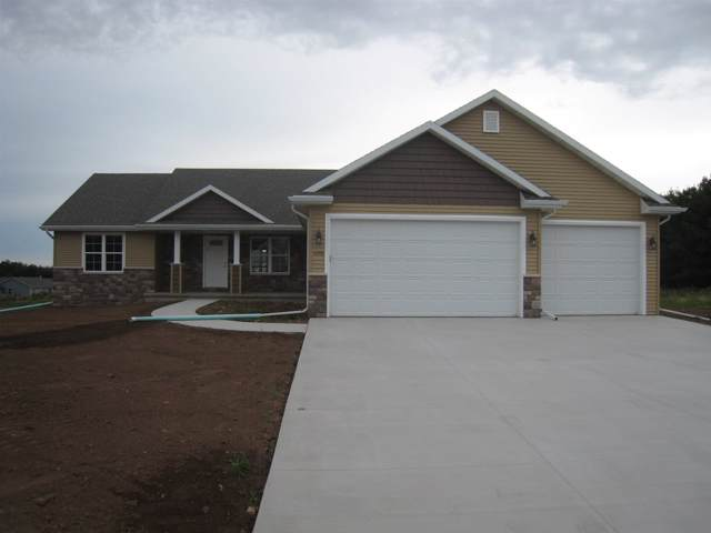3915 Don Degroot Drive, Little Chute, WI 54140 (#50216025) :: Todd Wiese Homeselling System, Inc.